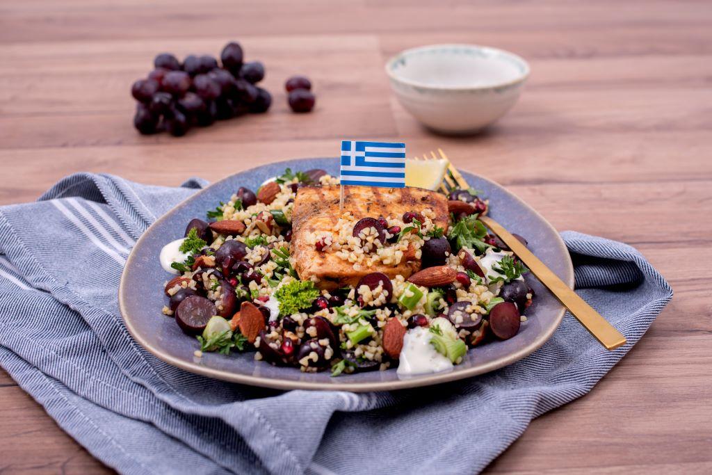 Griekse zwaardvissalade - recept van Freshly Fish met de september visbox