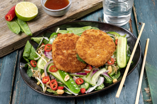 Kabeljauwburger met Thaise salade